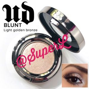 2/$25 Urban Decay Blunt Golden Bronze Eyeshadow
